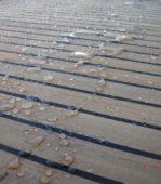 Holzimprägnierung/Teakdeckschutz: Auch bei Dauerbelastung nimmt das Holz nur oberflächlich Feuchte auf.
